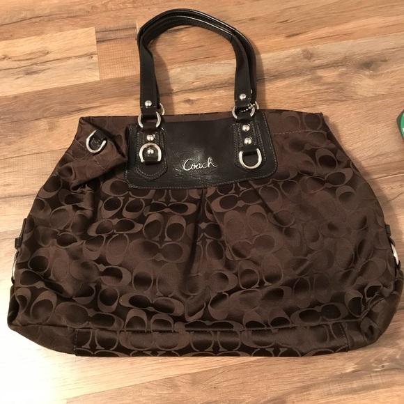 799b293bc8a2 Coach Handbags - Beautiful Dark Brown Coach Purse